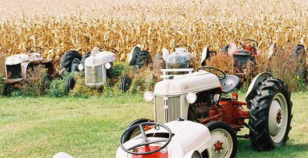Awesome Henry - Ford Tractor Conversions